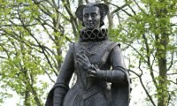 Statue of Mary Queen of Scots