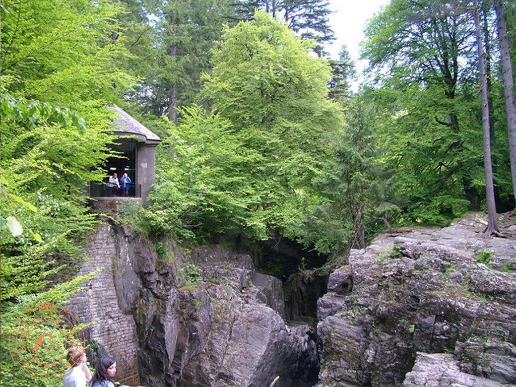The Follie overlooking the Black Linn Falls