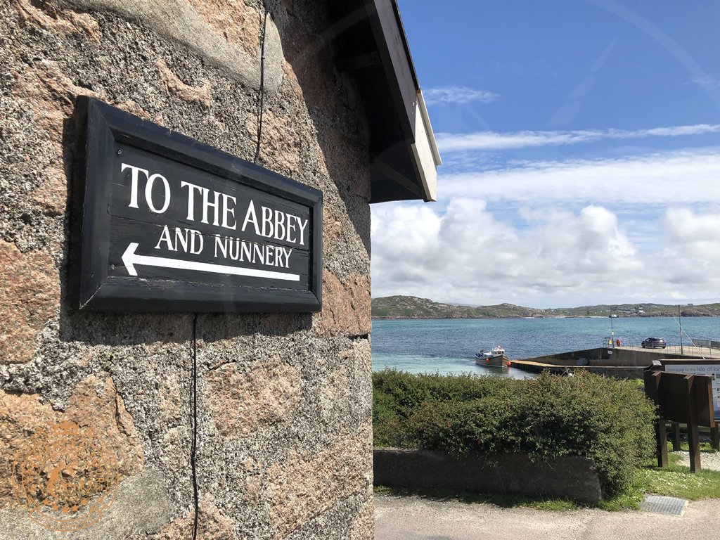 To the Abbey sign on Iona