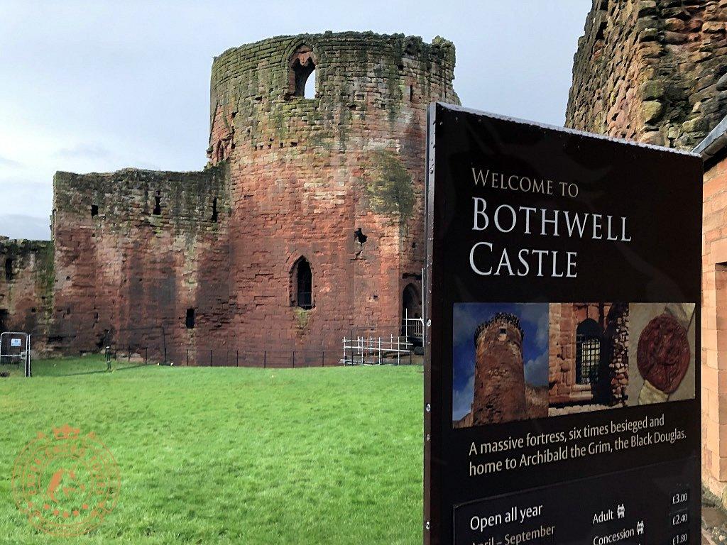 Bothwell Castle entrance sign