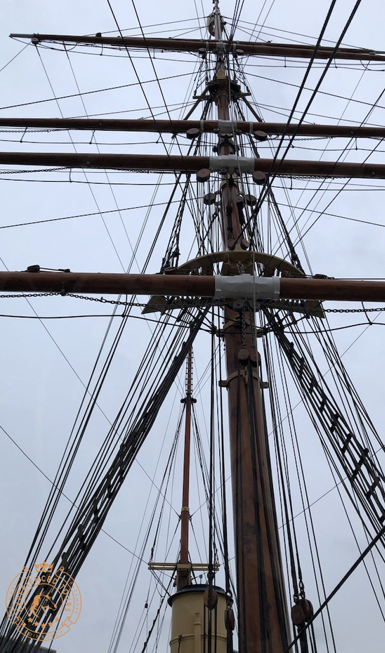 RRS Discovery rigging