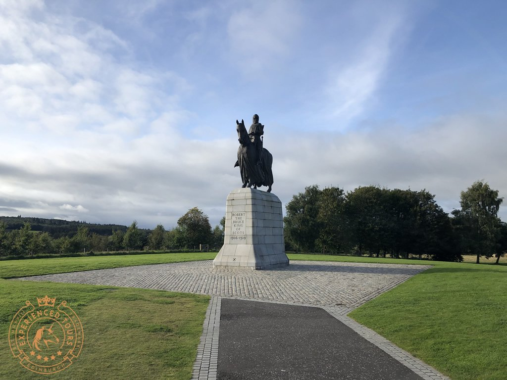 Statue of Robert The Bruce, King of Scots at the time of the battle